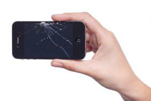 téléphone-écran-cassé